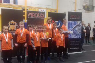 Bebrenes vispārizglītojošās un profesionālās vidusskolas audzēkņi piedalījās robotikas sacensībās Valkā