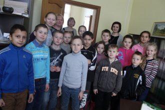 """""""Ēnu dienā"""" 16 jaunieši iepazina profesiju aizkulises Ilūkstes novada pašvaldībā"""