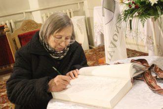 """Novada iedzīvotāji raksta savus vēstījumus  """"Tautas Saimes grāmatā"""""""
