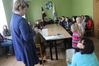 Šogad darbam vasaras brīvlaikā pašvaldībā pieteicās 104 jaunieši