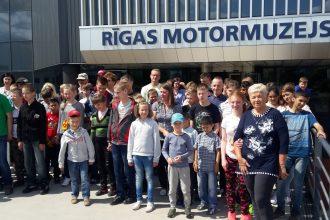 Raudas skolēni baudīja piedzīvojumus Rīgas Motormuzejā