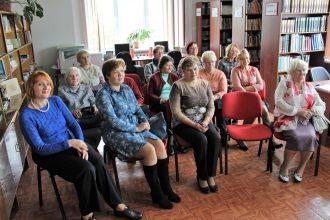 Ilūkstes novada centrālajā bibliotēkā viesojās vairāku romānu, bērnu grāmatu un lugu autore Māra Jakubovska
