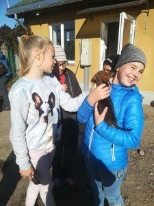 Labo darbu nedēļā Bebrenes skolēni viesojās dzīvnieku patversmē