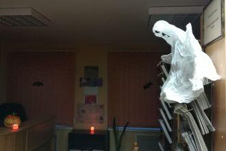 Pašulienes bibliotēkā aizvadīts Helovīndienas pasākums skolēniem