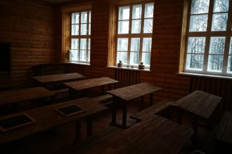 """Projektā """"Stendera laika klases izveide"""" iegādāts aprīkojums 18. gadsimtam atbilstīgam mācību procesam"""
