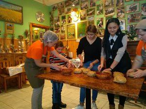 Raudas internātpamatskolas skolēni viesojās Aglonas Maizes muzejā