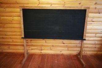 """Projekta """"Stendera laika klases izveide"""" ietvaros iegādāts aprīkojums 18. gadsimtam atbilstošam mācību procesam"""