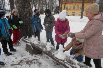 Vispasaules Sniega dienu atzīmē arī Eglaines pamatskolā