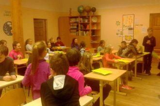 Bebrenē notika glītrakstīšanas konkurss 1.-4. klases skolēniem