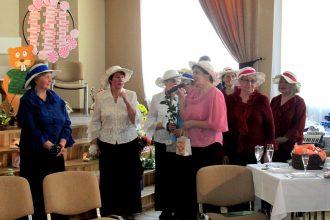 """Izdejots Bebrenes kultūras nama dāmu deju grupas """"Rudzupuķes"""" 10 gadu jubilejas koncerts"""