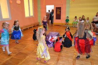 Ilūkstes bērnudārzā izskanējuši svētki māmiņām