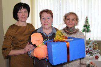 Notika Ziemassvētku ieskandināšanas  pasākums audžuģimenēm