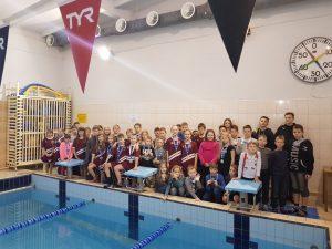 Sporta skolas peldētāji piedalās draudzības startos Rēzeknē