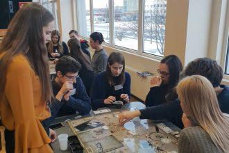 Ilūkstes Raiņa vidusskolas skolēni piedalījās izglītojošā biznesa simulācijas spēļu konkursā