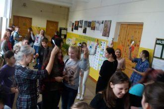 Ilūkstes Raiņa vidusskolā skolēnu pašpārvalde organizēja Sirsniņnedēļu