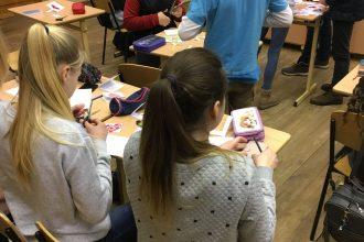 Sagaidot un svinot Valentīndienu, jaunieši iesaistās radošajās darbnīcās