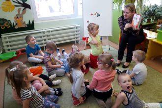 """PII """"Zvaniņš"""" bērnu vecāki iejutās skolotāju lomā"""