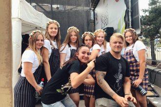"""Popgrupa """"MIX"""" kuplināja Rīgas svētku programmu"""