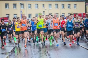 Novada vieglatlēti startē Valmieras maratonā