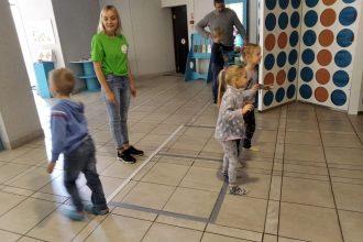 """PII """"Zvaniņš"""" bērni un vecāki devās izziņas braucienā uz Daugavpili"""