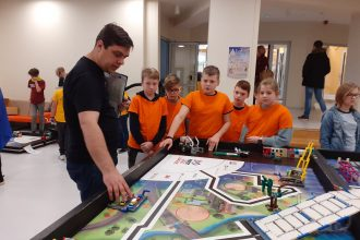 Robotikas komandu no Ilūkstes novada sacensības Salaspilī