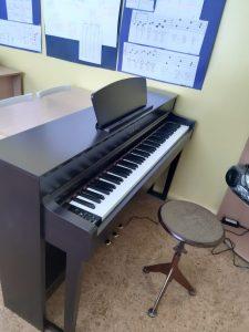 Ilūkstes Mūzikas un mākslas skola ir tikusi pie jauna mūzikas instrumenta