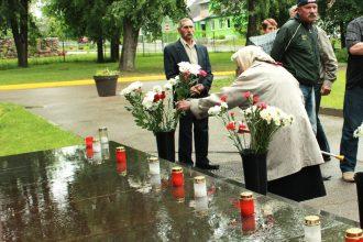 Ilūkstē pieminēja komunistiskā genocīda upurus