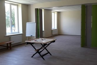 """Tiek atklātas jaunās Dienas aprūpes centra """"Fēnikss"""" telpas Ilūkstē un grupu dzīvokļi Pašulienē"""