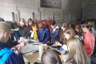 Skolēni gūst iedvesmu mākslā