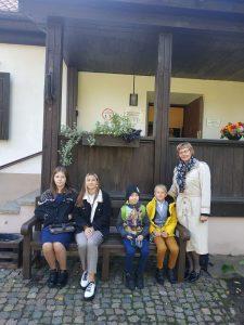 """Daiļrunas konkursa """"Zelta sietiņš"""" sākumskolas posma balva tika atvesta uz Ilūksti"""