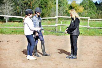 Bebrenē var apgūt retu profesiju – zirgkopis